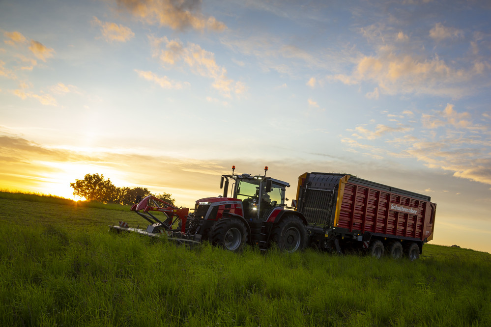 Tractor of the Year 2021: MF 8S.265 Dyna E-Power Exclusive