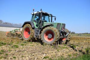 Fendt Favorit 824: Tractor rijden zoals het bedoeld is