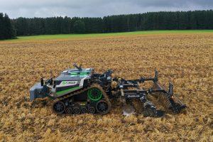 Demodag robotisering: Twaalf robots op een rij in de Peel