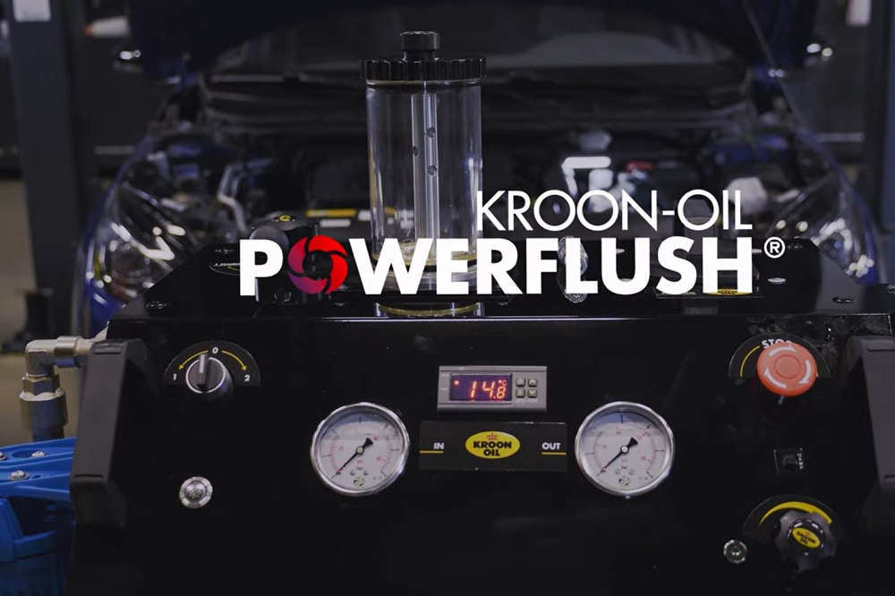 Kroon-Oil's PowerFlush uitgebreid met Engine Flush